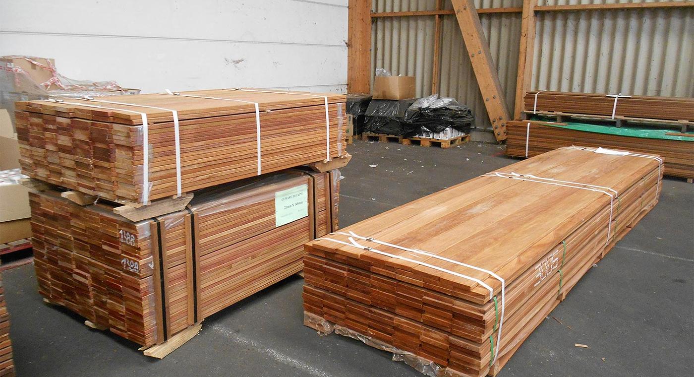 Lames De Bois Exterieur quand acheter son bois de terrasse et comment stocker ses